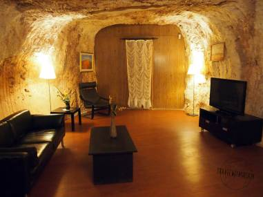 a tipical livingroom in Coober Pedy